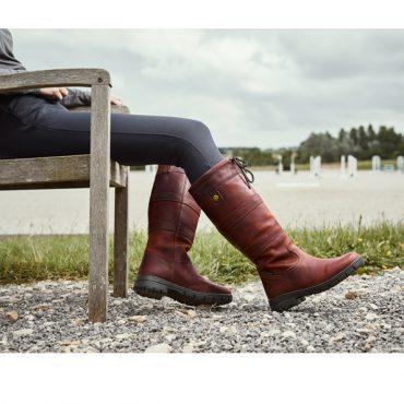 Dublin Ladies Pinnacle Grain Boots Lifestyle Image